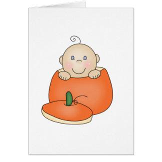 Tarjeta Bebé blanco en calabaza