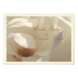 Tarjeta Boda de marfil romántico de la magnolia