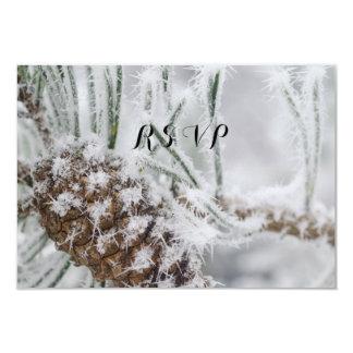 Tarjeta Boda hermoso, copos de nieve y Pinecone del