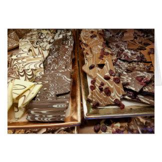Tarjeta Caramelo de la corteza del chocolate, sobre