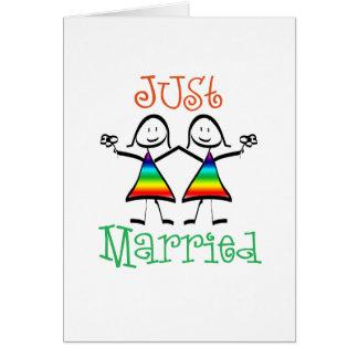 Tarjeta casada de la lesbiana apenas