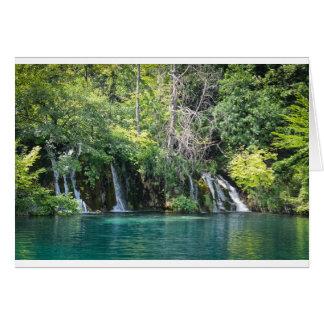 Tarjeta Cascadas en el parque nacional de Plitvice en