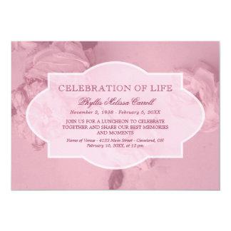 Tarjeta Celebración rosada de los rosas de la vida