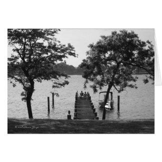 Tarjeta Charla de la orilla - blanco y negro
