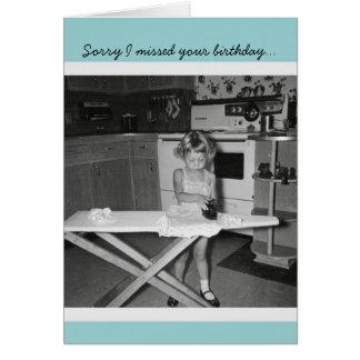 Tarjeta Chica de los años 50 del vintage que plancha feliz