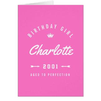 Tarjeta Chica del cumpleaños envejecido al rosa de la
