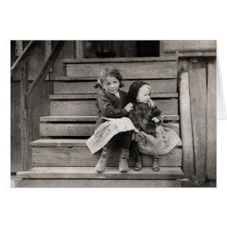 Tarjeta Chica joven que cuida para su Sister, 1911