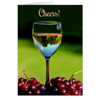 Tarjeta chistosa del feliz cumpleaños del vino de