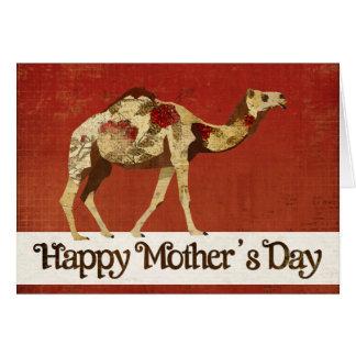 Tarjeta color de rosa del día de madre del camello