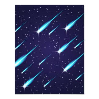 Tarjeta Cometas en el cielo azul del espacio estrellado