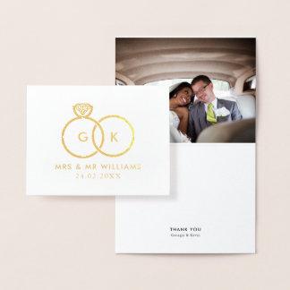 Tarjeta Con Relieve Metalizado La foto de encargo del boda de los anillos
