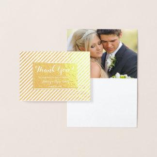 Tarjeta Con Relieve Metalizado La foto real del boda del efecto metalizado de oro