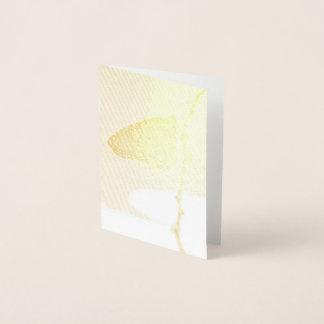 Tarjeta Con Relieve Metalizado Monarca en la luz de la mañana