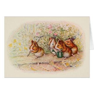 Tarjeta Conejillos de Indias que plantan en el jardín