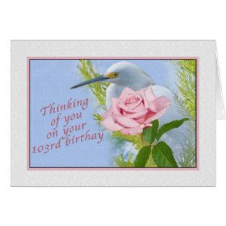 Tarjeta Cumpleaños, 103o, nevado Egret y color de rosa