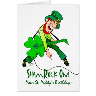 Tarjeta Cumpleaños del día de St Patrick, estrella del