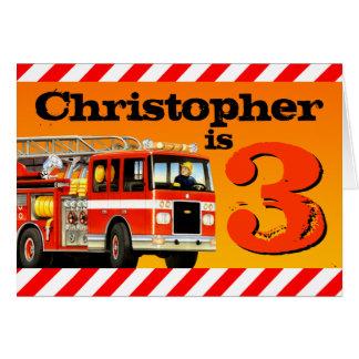 Tarjeta Cumpleaños feliz del coche de bomberos rojo