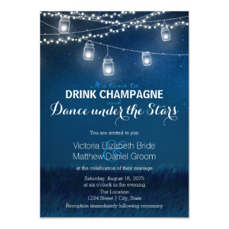 Tarjeta Danza de Champán de la bebida debajo del tarro de
