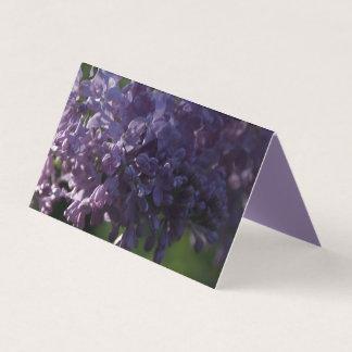 Tarjeta De Asiento La lila púrpura florece favores de la caridad del