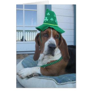 Tarjeta de Basset Hound del día de St Patrick