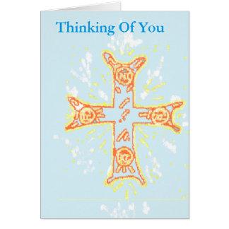 Tarjeta de condolencia que piensa en usted/la cruz