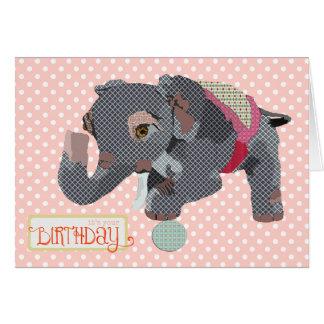 Tarjeta de cumpleaños afortunada del rosa del elef
