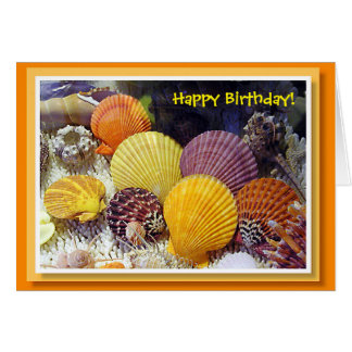 Tarjeta de cumpleaños colorida de las cáscaras