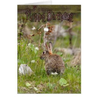 Tarjeta de cumpleaños con el conejo lindo - cumple