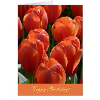 Tarjeta de cumpleaños con los tulipanes