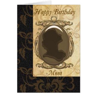 Tarjeta de cumpleaños de la mamá con el camafeo
