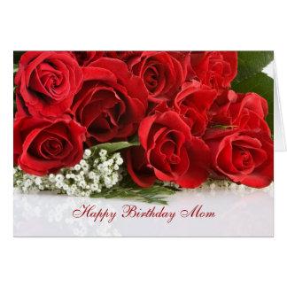 Tarjeta de cumpleaños de la mamá con los rosas