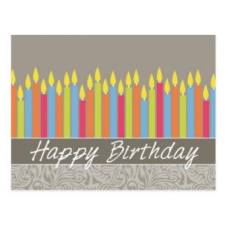 Tarjeta de cumpleaños de la oficina con las velas postal