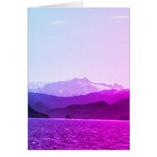 Tarjeta de cumpleaños de las montañas púrpuras