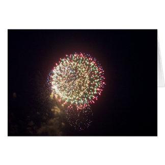 Tarjeta de cumpleaños de los fuegos artificiales