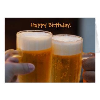 Tarjeta de cumpleaños de lúpulo de la cerveza de