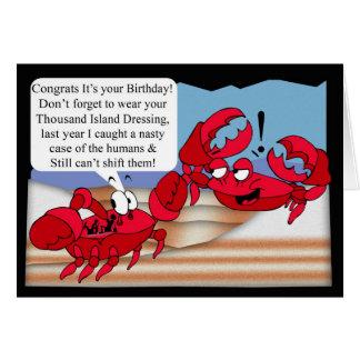 Tarjeta de cumpleaños del humor con dos cangrejos
