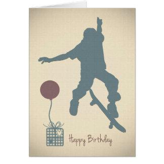Tarjeta de cumpleaños del muchacho que anda en