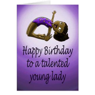 Tarjeta de cumpleaños joven del gimnasta