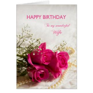 Tarjeta de cumpleaños para la esposa con los rosas