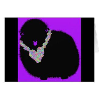 Tarjeta de cumpleaños púrpura de las ovejas del