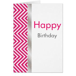 Tarjeta de cumpleaños rosada y blanca de Chevron