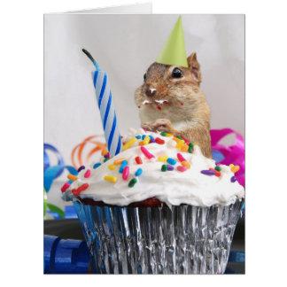 Tarjeta de felicitación del feliz cumpleaños, en