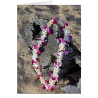 Tarjeta de felicitación hawaiana de los leus