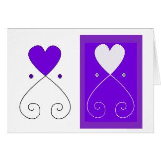 Tarjeta de felicitación violeta del corazón