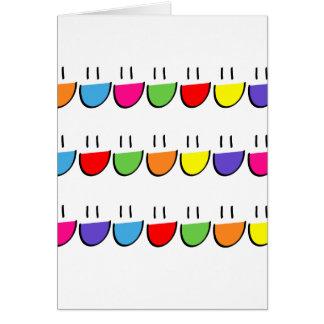Tarjeta de felicitaciones sonriente multicolora de