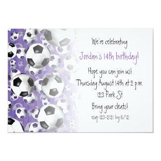 Tarjeta De fútbol de los balones púrpura del fiesta del