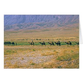 Tarjeta de la caravana del camello