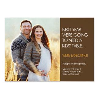 Tarjeta de la invitación del embarazo de la acción
