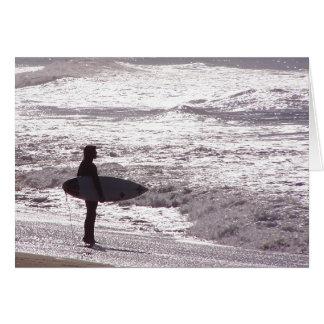Tarjeta de la persona que practica surf