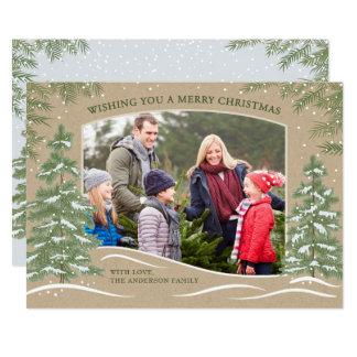 Tarjeta de Navidad de las nevadas del bosque Kraft